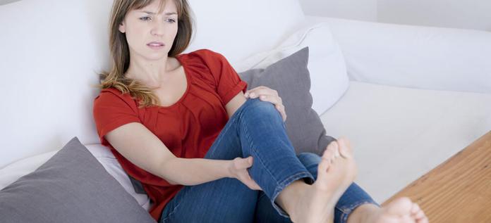 how does this menstrual leg pain happen
